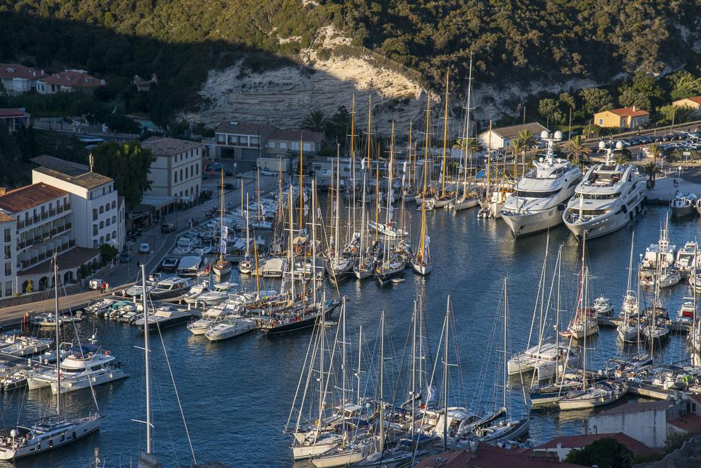 La flotte au port de Bonifacio vu du Bastion de l'Etendard Photo Philippe Pierangeli