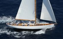 Un yacht de tradition Argentin sur la ligne de départ de la Corsica Classic