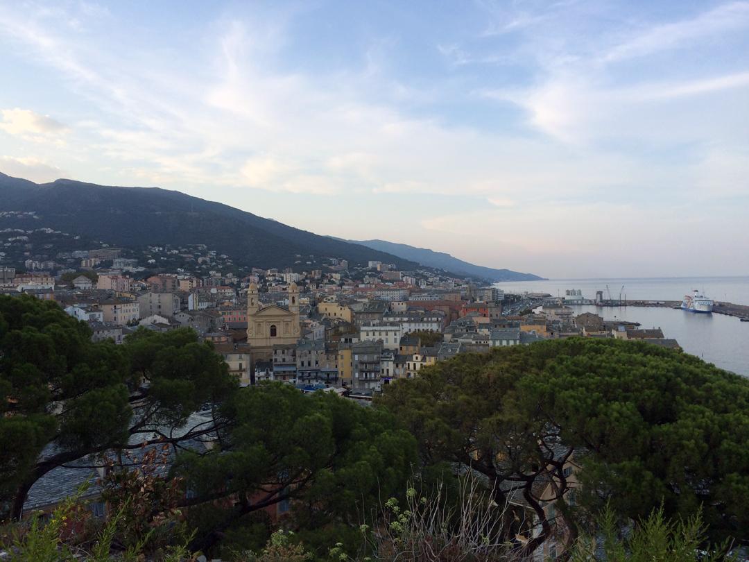 Vue des jardins du Palais du Gouverneurs du vieux port de Bastia photo Thibaud Assante DR