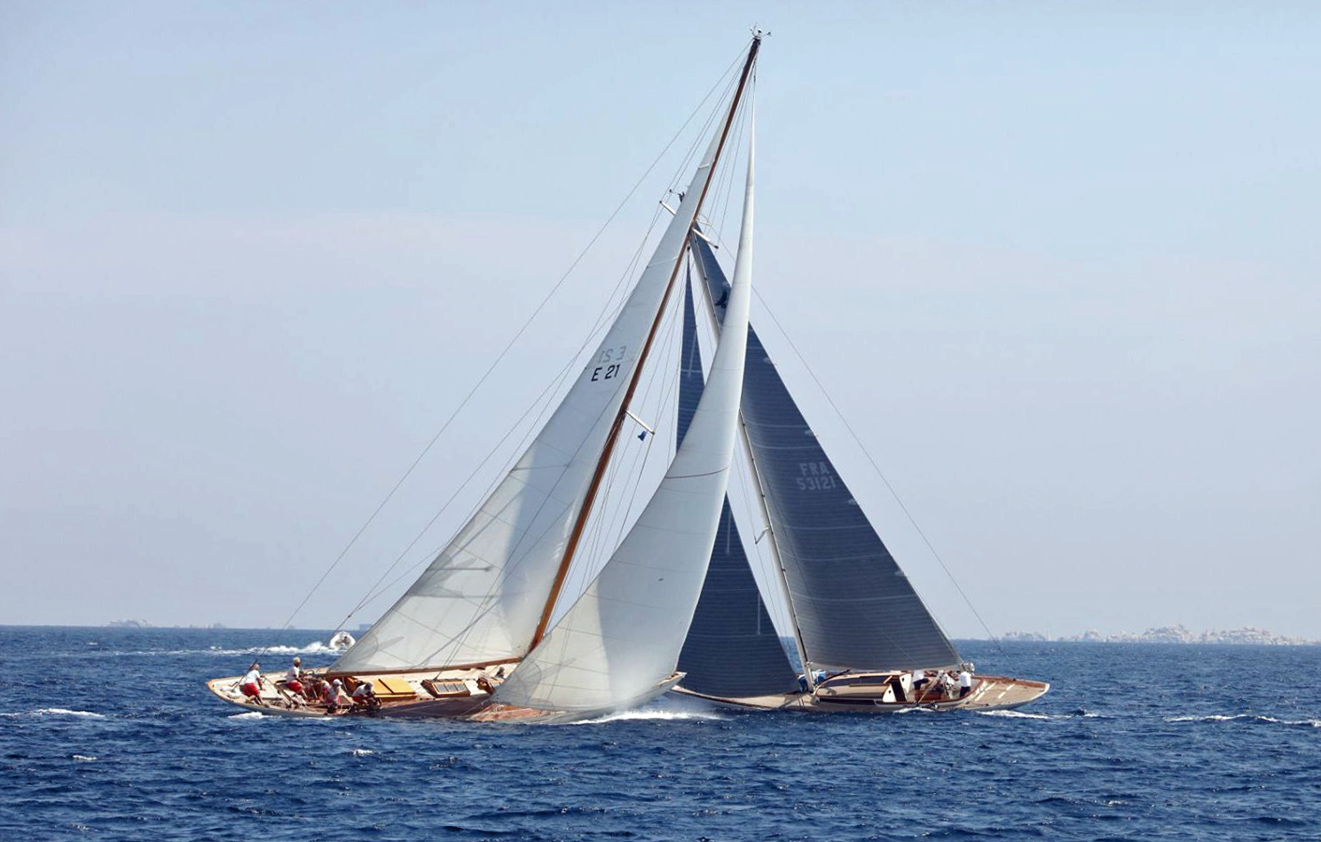 CC 2019 course 2 SY Eileen 1938 VS SY Quatre Quart 2019 photo Françoise Tafani DR