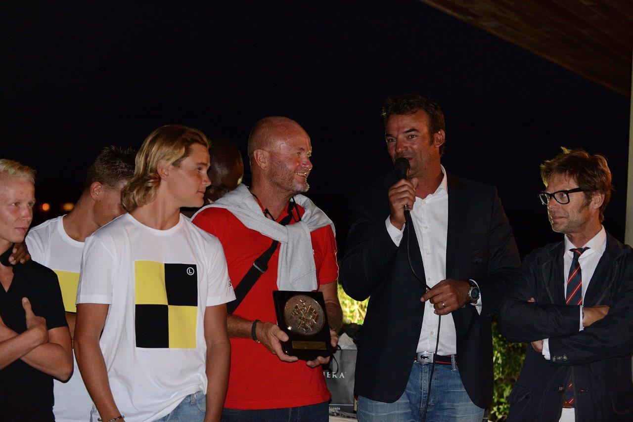 Capitaine Charles d'Esclercs et Capitaine Rémy Gerin remise du prix du YCF CC 2014